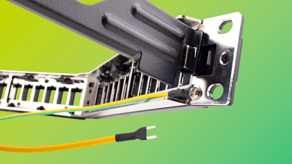 patch panel : double metal skin